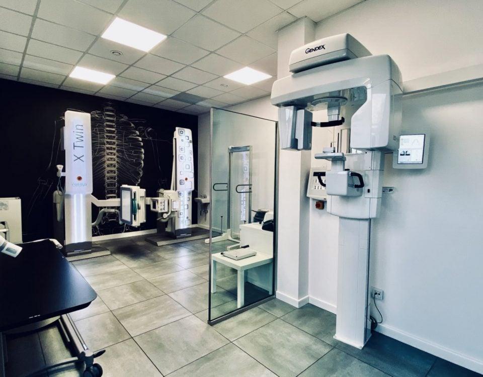 Nowoczesny aparat rentgenowski umożliwiający wykonanie rentgena klatki piersiowej
